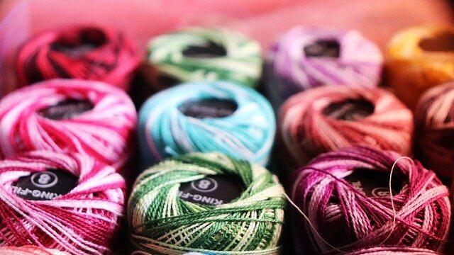 カラフルな手芸糸